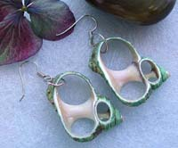 Fashion seashell earring carved-out pattern design, green genuine seashell