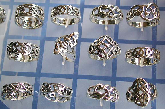 Celtic jewelry and celtic ring sterling silver made of with celtic
